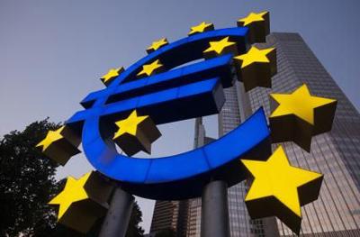El euro sobrevive con la aprobación de reformas en Grecia