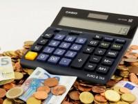 Casi el 60% de los españoles cree que paga más en impuestos de lo que recibe