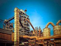 La producción industrial española ralentiza su crecimiento