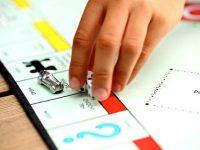 Triunfan los bares especializados en juegos de mesa tradicionales
