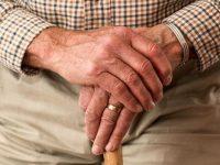 El proyecto de los Presupuestos Generales de 2018 lanza un guiño a los pensionistas