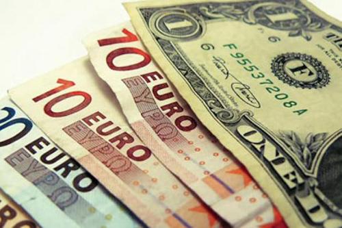 El euro y el dólar afrontan septiembre con cautela