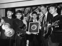 Falleció George Martin, el productor de The Beatles
