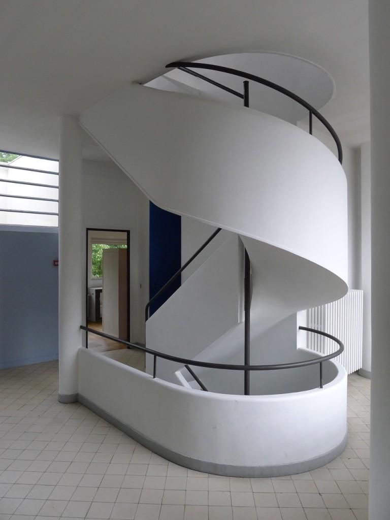 Escalera de caracol en Villa Saboya