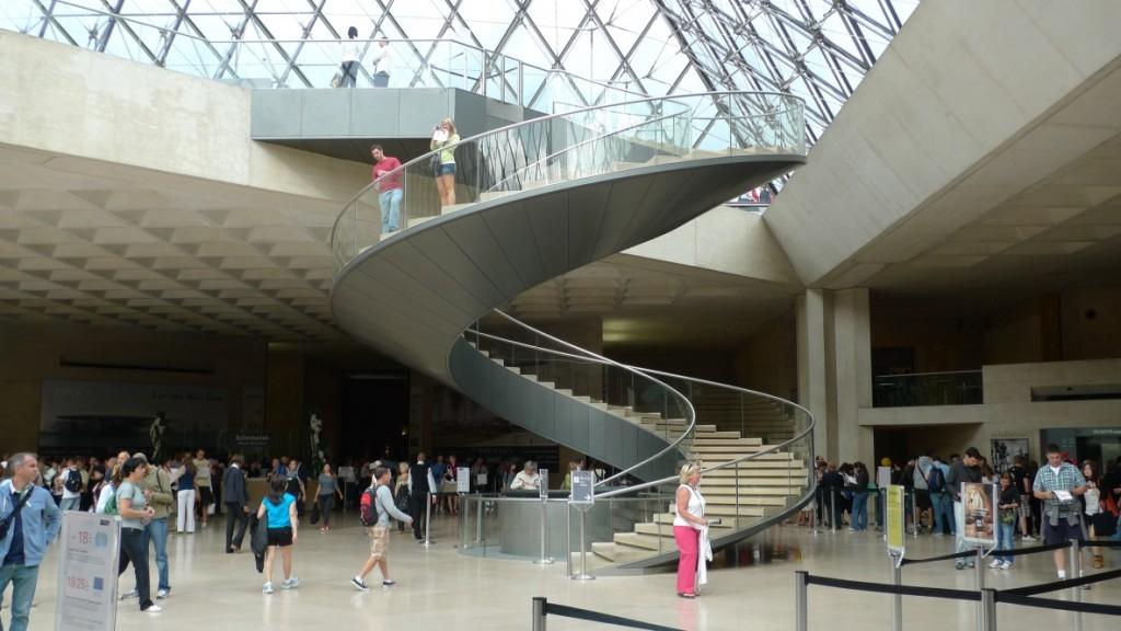 Escalera de caracol, Louvre